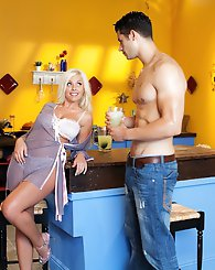 Britney Amber whips up a homemade energy shake for her man Geovanni Francesco. Geo is a bit skeptical with the mug of green goo that she serves up, bu